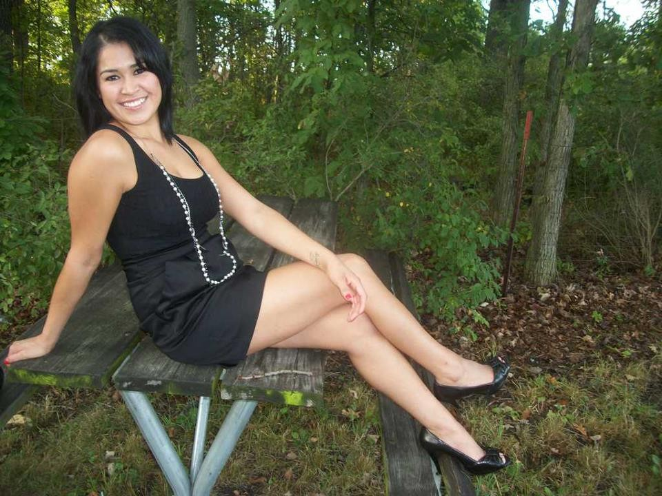 Single women seeking men online